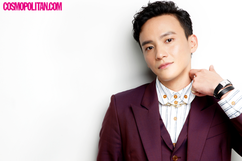 Suit, Tie, Forehead, Skin, Formal wear, White-collar worker, Neck, Fashion accessory, Photography, Outerwear,