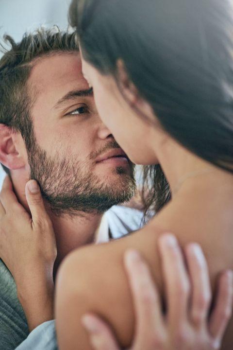 <p><font><font>傳統都認為愛愛這件事,都要由男人主動出擊,但是在這個年代,女人面對突如其來的性慾不需要再壓抑啦~就像COSMO Angel的性慾其實比男友強很多,而男人只要被女人主動求歡,沒有一個不爆衝、歡天喜地的呀!</font></font></p><p><font><font>如果想要把男友逗弄得對妳心癢癢的Angels,就拿出妳的內在性愛女神的本事,以下4招學起來,讓妳在床上呼風喚雨,把他勾得牢牢、享受被妳控制的性奮感吧!</font></font></p>