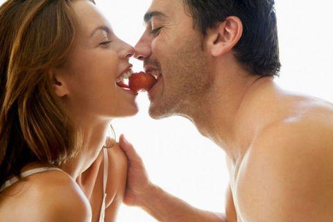 Kiss, Romance, Interaction, Love, Nose, Gesture, Mouth, Lip, Neck, Black hair,