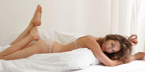 "<p>盛夏之際,相信有許多女孩都在執行減肥計畫,期待換上小背心、小熱褲,在夏日展現火辣身材,但其實想要有效瘦身,首先就是要注意妳的睡眠,做個夏日睡美人,睡眠佔了妳人生約三分之一的時間,擁有優質的睡眠品質,不只可以讓妳每天神采奕奕,更能有效幫助控制體重,現在就讓我們一起來解開「睡眠瘦身」的神秘面紗吧!<span class=""redactor-invisible-space"" data-verified=""redactor"" data-redactor-tag=""span"" data-redactor-class=""redactor-invisible-space""></span></p>"