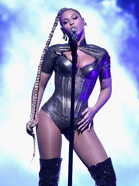 <p>Beyonce經常在演唱會大show身材曲線,跳舞時動感十足,使勁地擺動她的美臀,讓人看得熱血沸騰!</p>