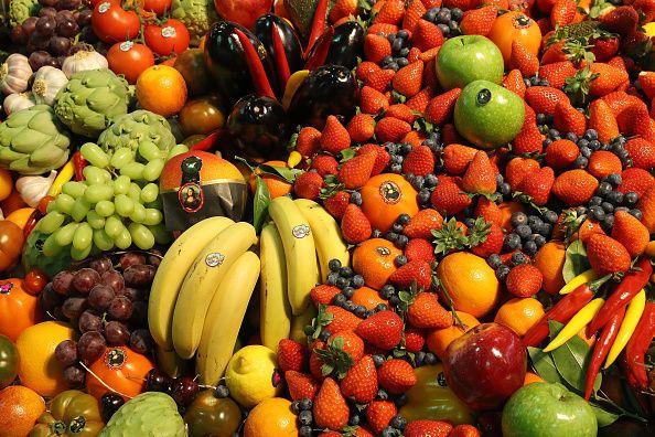 <p>保持鹼性飲食 : 新鮮的水果、深綠色的蔬菜、豆類植物、無鹽的堅果等。</p>