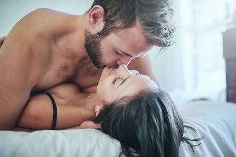 <p>如果妳太害羞不敢放聲大叫,微微嬌喘也是非常可以的!妳要在某些動作、某些時刻像是收到驚喜般的帶著驚訝又舒服的嬌喘,再搭配輕笑,會讓男人想進攻的更猛烈,尤其在他突然加快速度時,妳由輕笑轉為驚呼的叫聲,會讓男人爆爽不已啦~</p>