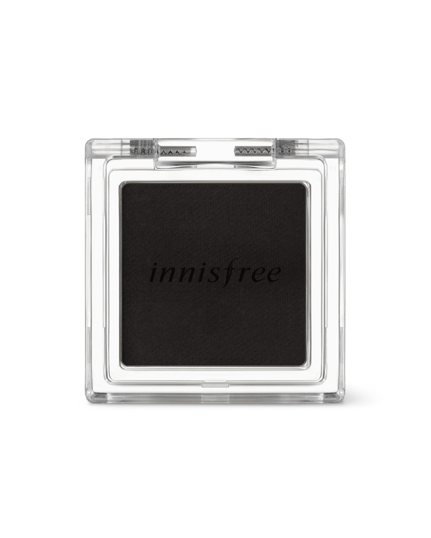 <p>粉質細緻,呈現的妝感霧面卻又不會過乾顯肌膚紋路,疊擦眼皮上,非常服貼,不卡粉顯色度極佳,作為眼線或是眼影都能隨心所欲.</p>