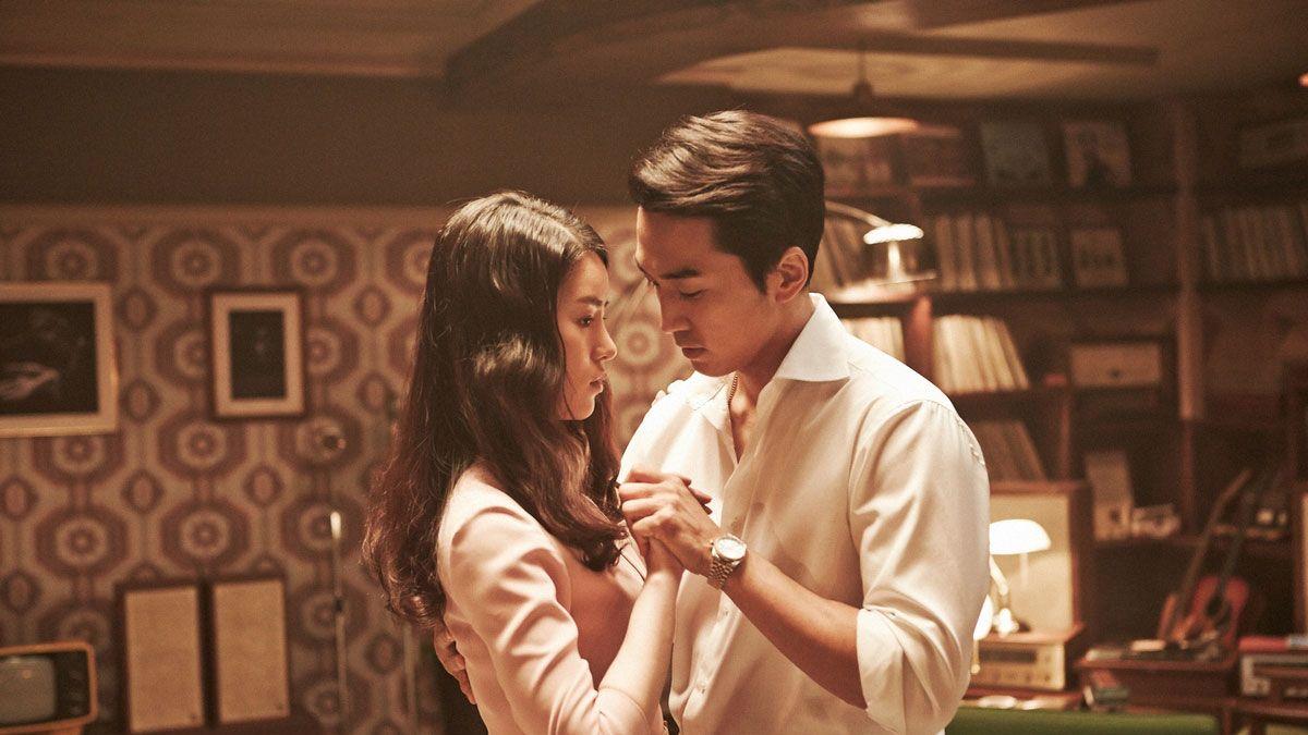 "<p>如果妳想藉由電影挑起男人的情慾,讓慾火燃燒一發不可收拾,那<span>韓國的情慾電影絕對是妳最好的勾男選擇,因為韓國情慾電影的畫面精緻唯美,尺度卻非常大膽豪放,完全可以美化妳的愛愛邀約,快點跟著COSMO Angel熱搜近期必看的5部超精彩的韓國色色電影,讓妳愛愛高潮後還能大聊劇情,延續甜膩的情緒.</span></p><p><span class=""redactor-invisible-space""></span></p>"