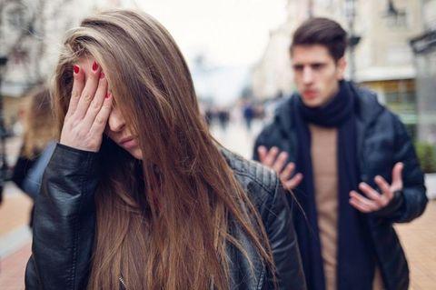 "<p>我們在情緒上的時候,都會不小心說一些威脅性或是傷害對方的話,這是非常傷感情的,例如動不動就說分手,千萬不能把這類的話變成口頭禪,說不定原本沒那麼嚴重,但是情緒到點了就真的分了!盡量保持理性的態度說話,理清思緒慢慢說,避免說出一些口是心非的話。<span class=""redactor-invisible-space"" data-verified=""redactor"" data-redactor-tag=""span"" data-redactor-class=""redactor-invisible-space""></span></p>"