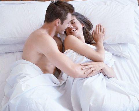 "<p>很多人都說側躺式的愛愛體位是懶人體位,就是很省力方便的意思,不過女生其實很喜歡這樣的體位,可以享受從背後來的快感,又不用用到太多力氣,此外,側躺體位也可以很刺激喔~以下五招加激版的側躺式愛愛體位,趕快找男友一起試試,讓你們越玩越銷魂還不想停下來呢~<span class=""redactor-invisible-space"" data-verified=""redactor"" data-redactor-tag=""span"" data-redactor-class=""redactor-invisible-space""></span></p>"