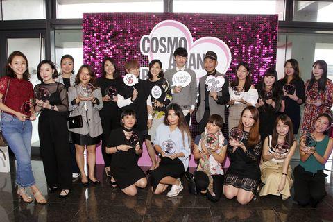 "<p>          一年一度的COSMO Beauty Awards歷經專業評審試用評選以及網路人氣票選後,終於在10/19舉行頒獎典禮畫下完美的句號,現在就來看看當天精采的花絮吧!  <span class=""redactor-invisible-space""></span></p>"
