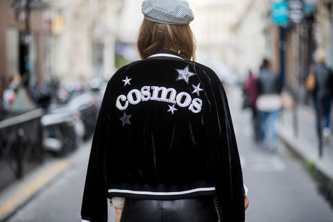 Street fashion, Clothing, Outerwear, Fashion, Jacket, Street, Headgear, Cap, Beanie, Hoodie,