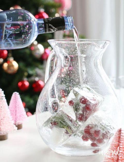 <p>還需要多說什麼?沒有什麼禮物能超越一瓶好香檳或好紅酒吧!微醺微醉的迷人聖誕氣氛下,交換禮物收到它立刻揪朋友回家續攤(或自己買醉)~</p>