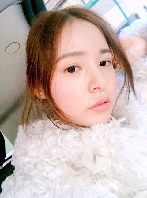 Hair, Face, Child, Eyebrow, Head, Cheek, Nose, Hairstyle, Skin, Beauty,