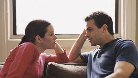 <p>男人雖不像女人一樣較容易和家人朋友傾吐心事,但當他有困擾或感到心煩時就請一定要放下妳手邊正在做的事認真的聽他訴苦,並且適時的回應給他建議讓他感受到妳是真的很在意他想替他解決問題,又或者只是靜靜的聽當一個稱職的垃圾桶都能讓他覺得窩心,妳也可以是他堅強的後盾!</p>