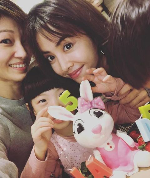 Child, Friendship, Happy, Selfie, Stuffed toy, Photography, Toy, Finger, Smile, Ear,