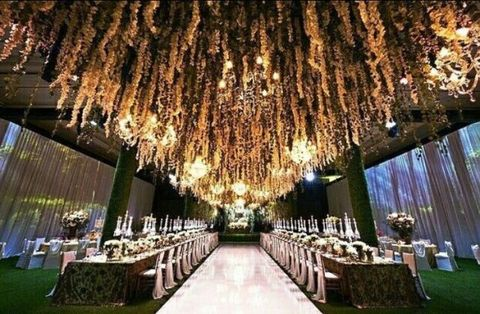 Lighting, Wedding reception, Aisle, Ceremony, Function hall, Event, Building, Tree, Architecture, Ceiling,