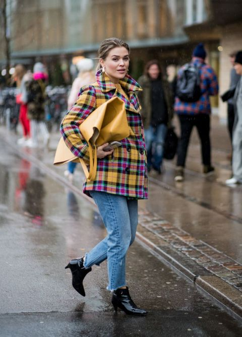 Street fashion, Tartan, Fashion, Plaid, Clothing, Pattern, Snapshot, Textile, Design, Street,
