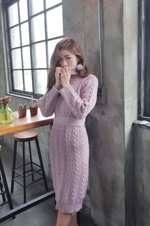 Clothing, Pink, Dress, Purple, Sleeve, Fashion, Neck, Shoulder, Outerwear, Robe,