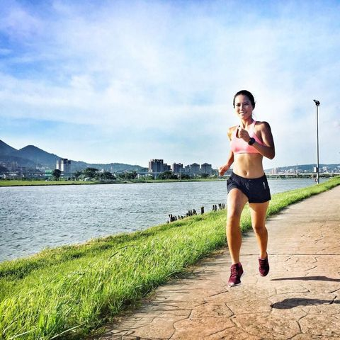 Running, Jogging, Outdoor recreation, Water, Recreation, Sky, Exercise, Physical fitness, Athlete, Long-distance running,