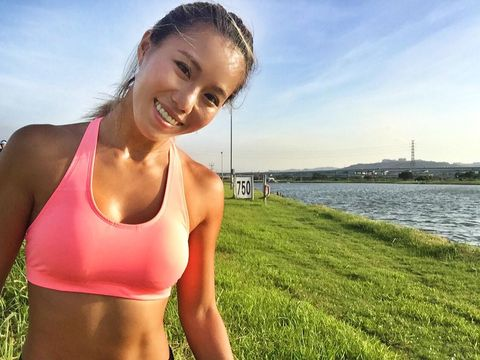Undergarment, Sports bra, Water, Undergarment, Abdomen, Grass, Summer, Running, Arm, Shoulder,