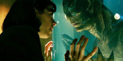 Green, Human, Fictional character, Hulk, Organism, Adaptation, Scene, Fiction,