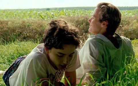 People in nature, Grass, Friendship, Grassland, Prairie, Grass family, Adaptation, Meadow, Fun, Happy,