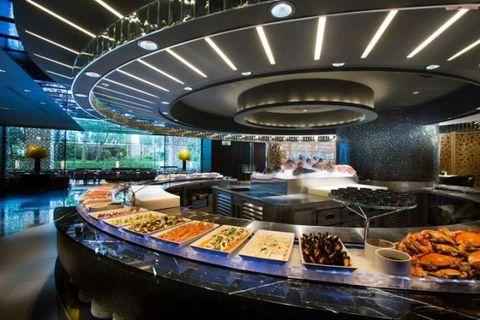<p>台北市名聲最響亮的歐式自助餐廳,坐擁難得的城市花園景致,寬敞舒適的用餐空間及呈現澎派豐盛的美味料理。</p>