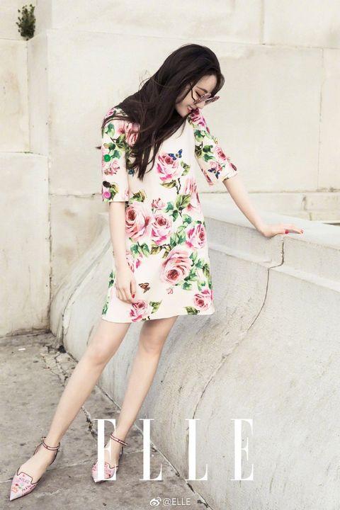 Clothing, White, Pink, Shoulder, Dress, Fashion model, Beauty, Fashion, Skin, Footwear,