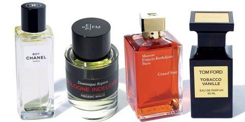 Perfume, Product, Water, Fluid, Cosmetics, Bottle, Liquid, Glass bottle, Spray,