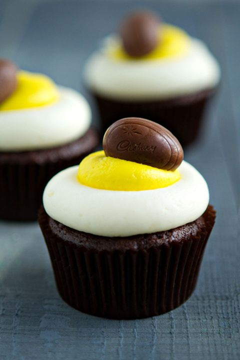 Food, Cupcake, Dessert, Cuisine, Dish, Chocolate, Icing, Ingredient, Baking, Baked goods,