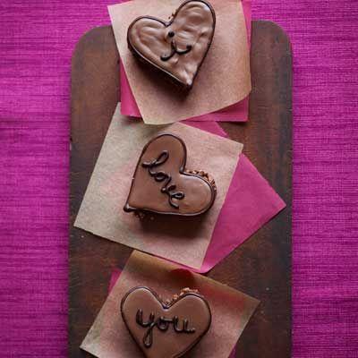 Heart, Pattern, String instrument accessory, Musical instrument accessory, Pink, Love, Purple, Guitar accessory, Magenta, Violet,