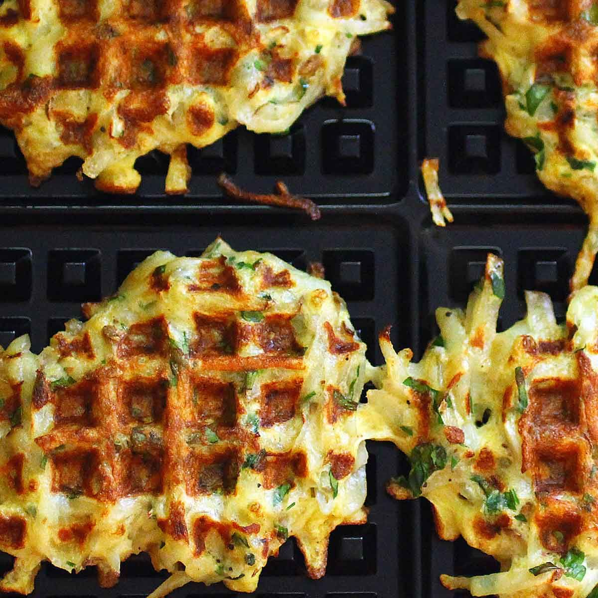 Waffle iron at home - the perfect solution for a sweet table