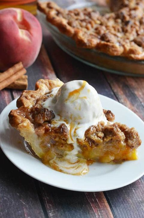 Maple-Bourbon-Brown-Butter-Peach-Pie-4