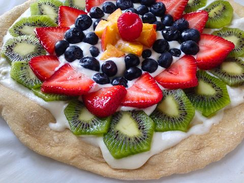 fruit-pizza-delish