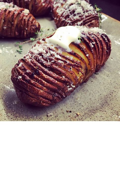"The model (and master chef, practically) topped herb-roasted hasselback potatoes with butter and parmesan, adding yet another mouthwatering photo to her food-filled Instagram account. <a target=""_blank"" href=""https://instagram.com/chrissyteigen"">@chrissyteigen</a>"