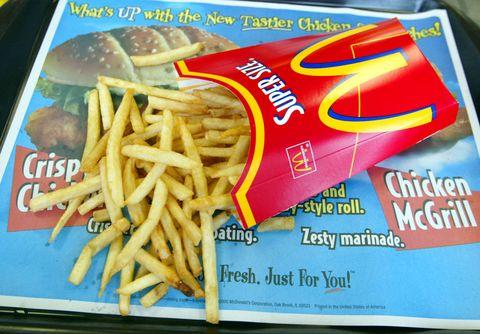 Food, Fried food, French fries, Ingredient, Finger food, Fast food, Cuisine, Bun, Comfort food, Side dish,