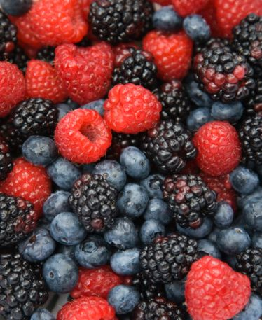 Food, Fruit, Boysenberry, Natural foods, Produce, Sweetness, Berry, Frutti di bosco, Blackberry, Black,