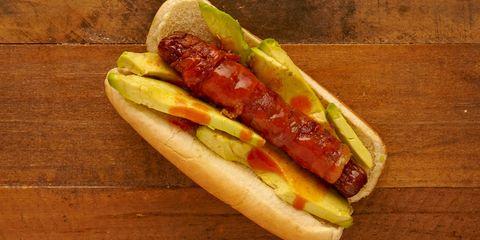 Food, Cuisine, Fast food, Hot dog bun, Dish, Hot dog, Ingredient, Choripán, Chili dog, Junk food,