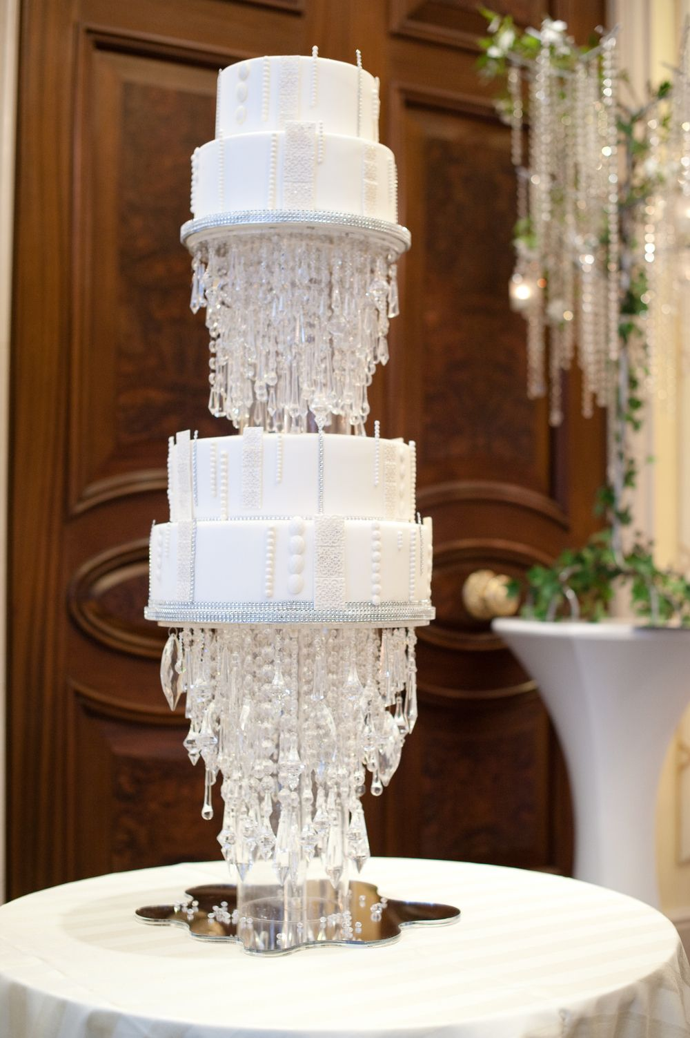 Outrageous and crazy wedding cakes pictures delish arubaitofo Image collections