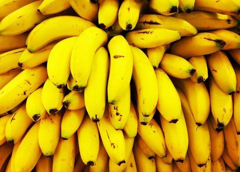 Natural foods, Banana family, Saba banana, Cooking plantain, Banana, Local food, Yellow, Food, Fruit, Plant,