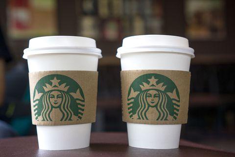 Cup, Green, Drinkware, Line, Coffee cup sleeve, Cup, Tumbler, Lid, Ceramic, Fast food,