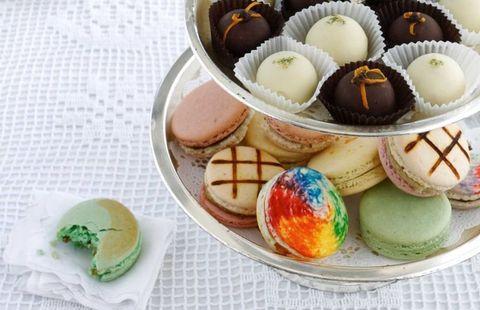 Food, Cuisine, Sweetness, Macaroon, Ingredient, Dishware, Dessert, Serveware, Confectionery, Recipe,