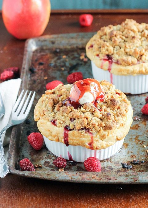 Mini Apple Berry Crumble Pies