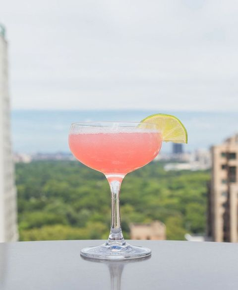 Best Cosmopolitan Recipe How To Make A Cosmopolitan Delish Com
