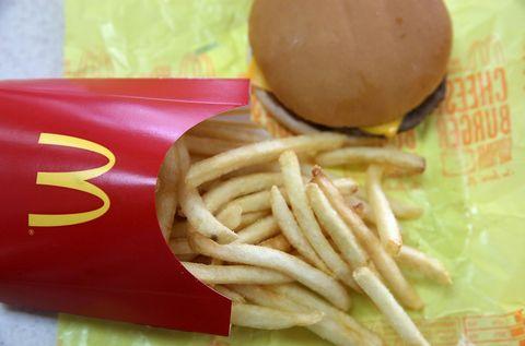 Food, Ingredient, Finger food, Fried food, French fries, Dish, Bun, Cuisine, Sandwich, Fast food,