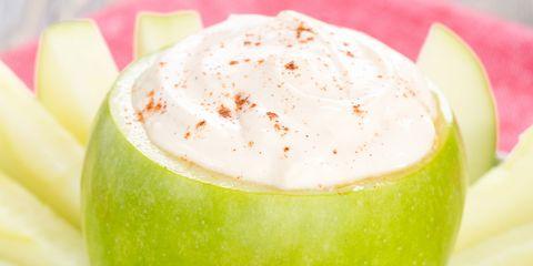 apples in greek yogurt dip
