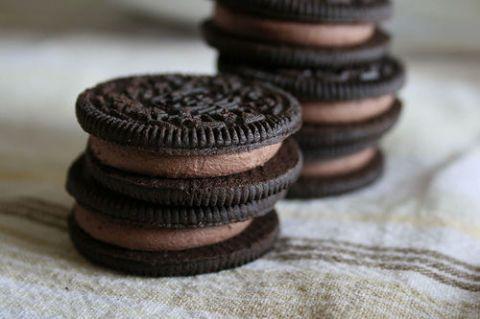 Brown, Food, Finger food, Sweetness, Cookies and crackers, Oreo, Dessert, Close-up, Snack, Sandwich Cookies,