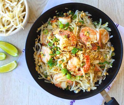 Best easy shrimp pad thai recipe how to make easy shrimp pad thai easy shrimp pad thai forumfinder Images