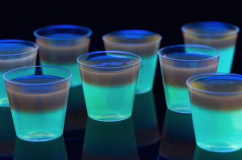 glowing jell o shots recipe glow party ideas delish com