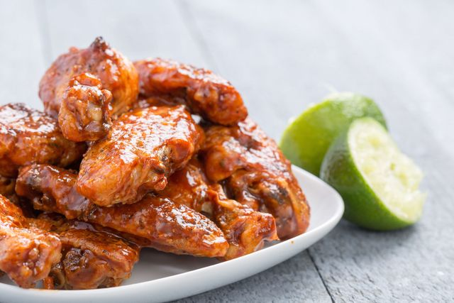 slow-cooker-chicken-wings-chipotle