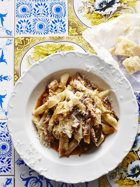 Cuisine, Food, Dish, Recipe, Dishware, Ingredient, Tableware, Serveware, Plate, Comfort food,
