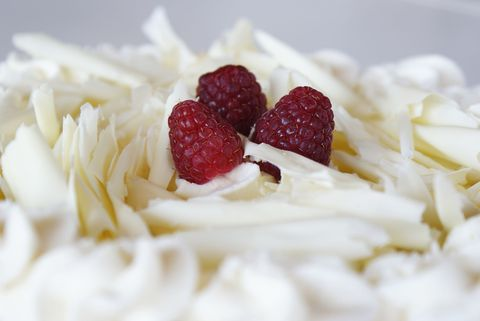 Food, Sweetness, White, Fruit, Ingredient, Dessert, Natural foods, Garnish, Produce, Dish,
